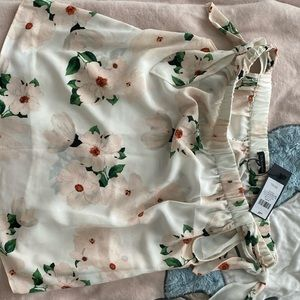 Flower top from Dynamite